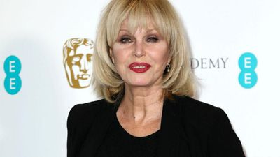 Joanna Lumley believes she suffered from the coronavirus.