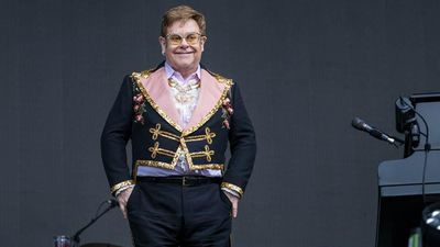 Elton John announces weekly classic concert series