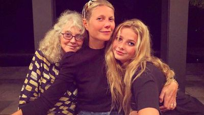 Gwyneth Paltrow gets beauty tips from mother