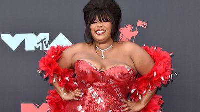 Lizzo signs a deal with Amazon Studios