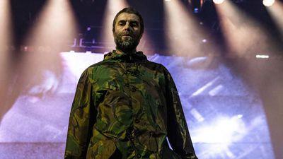 Liam Gallagher whisks family away to France on private jet
