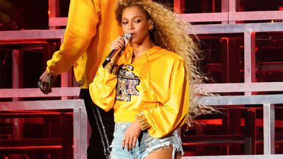 Beyonce reveals pregnancy and birth issues