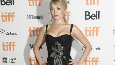 Jennifer Lawrence to have 'family' wedding