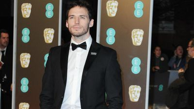 Sam Claflin wants longer paternity leave