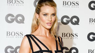 Rosie Huntington-Whiteley always uses eye-lash curler