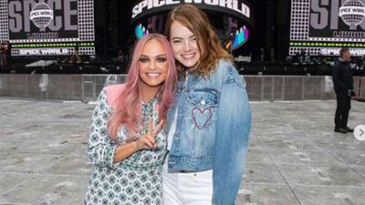 Emma Stone snaps shoulder over Spice Girls