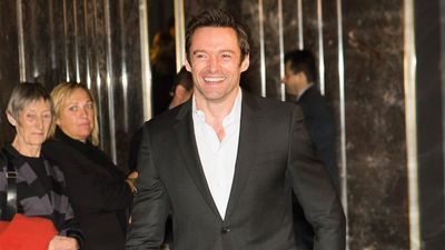 Hugh Jackman warns fans against alleged scammer
