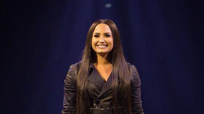 Demi Lovato celebrates birthday with Ariana Grande concert