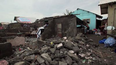 Typhoon wreaks havoc on Philippine town