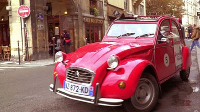 Taking a 2CV for a spin in Paris