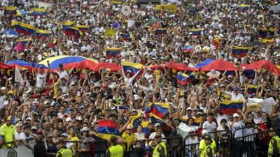 Rival border concerts held for Venezuela