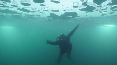 Ice diving: 'An otherworldly experience'