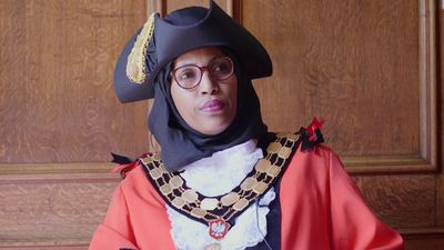 The mayor who wears a hijab