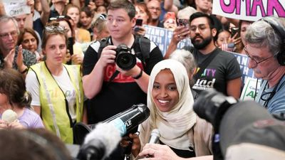 Minnesota crowd welcomes home Ilhan Omar
