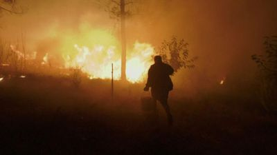 Residents help tackle Portugal wildfires