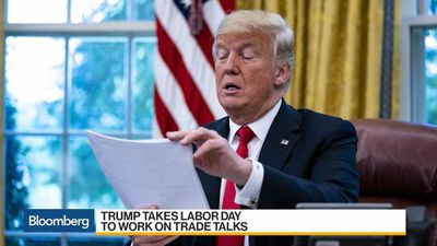 Bloomberg Daybreak: Australia - Trump Cancels Labor Day Plans as Canada, China Trade Disputes Loom