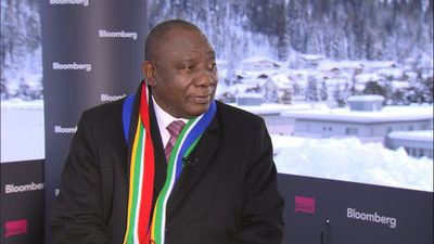S. Africa's Ramaphosa Has 'Full Confidence' in SARB Governor Kganyago