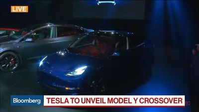 Bloomberg Markets: Asia - Tesla Unveils New Model Y Crossover