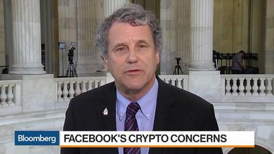 Facebook Is Too Big to Run a Cryptocurrency, Sen. Sherrod Brown Says