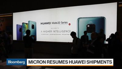 U.S.-China Tensions Hang Over Mobile World Congress