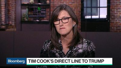 Tim Cook's Direct Line to Trump Is Good News for Tech, Ark's Cathie Wood Says