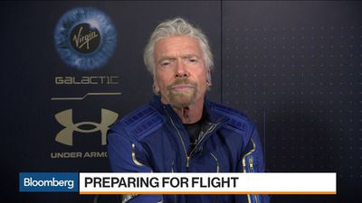 Richard Branson Sees Virgin Galactic Commercial Operation in 2020