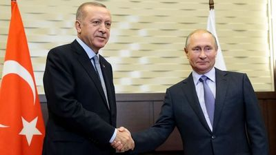 Turkey Halts Syria Foray After Deals With Russia, U.S.