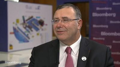 Total CEO Expects Weak Oil-Demand Growth in 2020