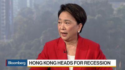 HK Government Has to Respond to the People: Fmr. Democratic Party Chairperson Lau