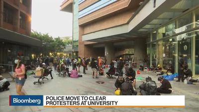 Hong Kong Police Move to Clear Protesters at University