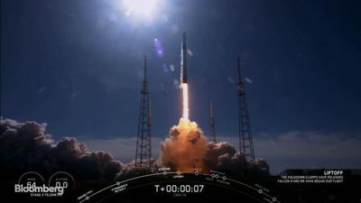 SpaceX Sends Falcon 9 to ISS With 5,700 Pounds of Supplies