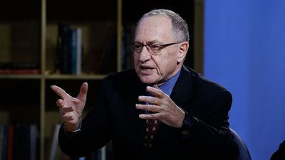 Trump Adds Dershowitz, Starr to Impeachment Team