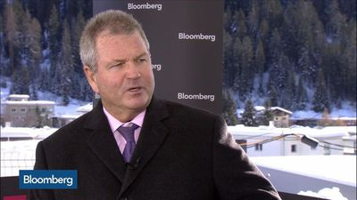 Invesco CEO Expects Clients to Return After Oppenheimer Integration