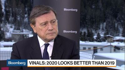 Standard Chartered's Vinals Says 2020 Looks Better Than 2019 for Markets