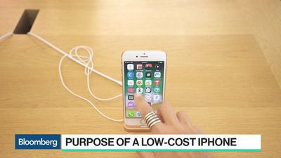 Apple to Start Making Low-Cost IPhones