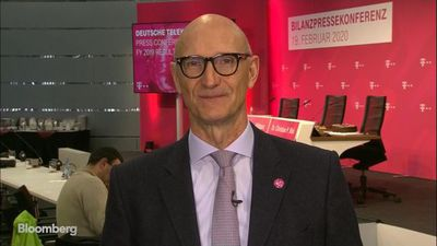 Deutsche Telekom CEO Aims to be U.S. Number 1 After Sprint Deal