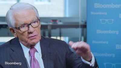 Why Charles Schwab Is Letting Customers Trade for Free