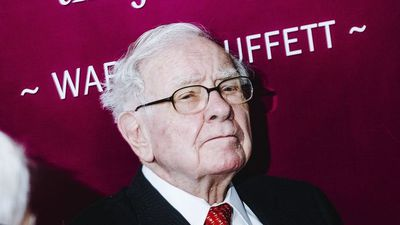 Buffett Gave No Clues About Who Replaces Him
