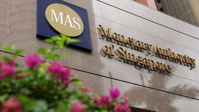Monetary Authority of Singapore Eases Policy, Reduces Currency Band Slope to Zero