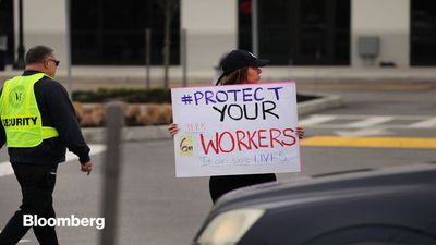Amazon Tries to Keep Up With Demand, Fight Off Organized Labor