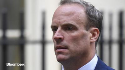 Raab Deputizes as U.K. Struggles to Get a Grip on Virus
