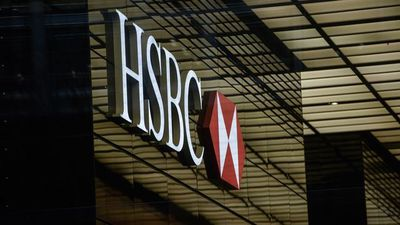 HSBC Dividend Halt Stirs Hong Kong Shareholders' Outrage