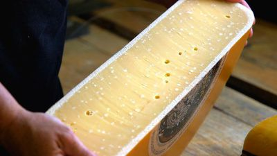 How Dutch Gouda is made at a 100-year-old family farm