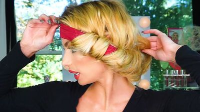 There's a headband that creates natural, bouncy curls without heat