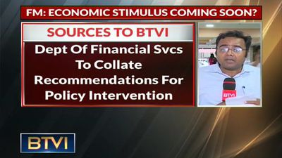 Finance Minister asks PSBs to review performance; hints at economic stimulus