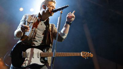 Country Star Hunter Hayes Puts a Positive Spin on 'Heartbreak'