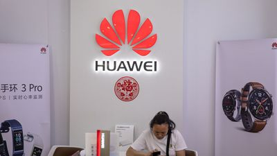 Following Government Orders, Google Bans Huawei's Access to Androids