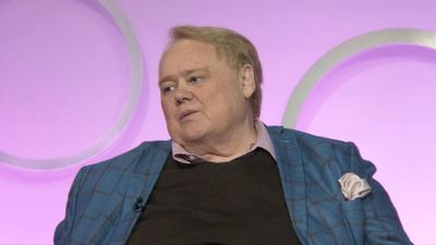 Comic Louie Anderson Looks to His Mom as Inspiration for 'Baskets' Role