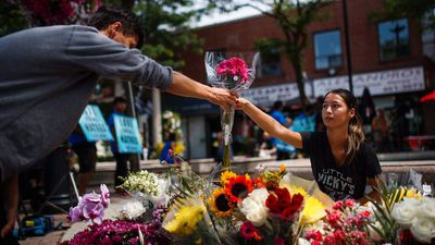 People on Toronto's Danforth express sadness, hope after shooting