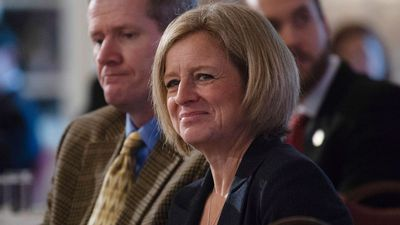 Notley says Alberta plans new rail cars to get oil to market